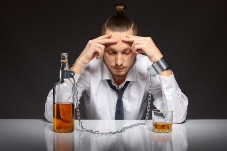 「酔っ払う」は程度によって表現が変わる